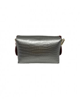 Clutch bag with bamboo closure