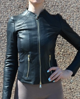 Leather jacket with stretch fabric