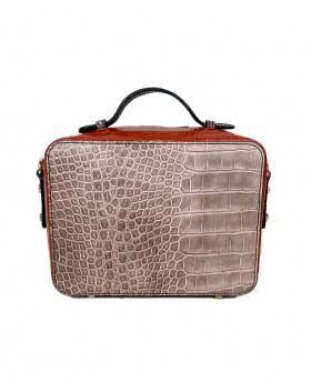 Squared bag with shoulder...