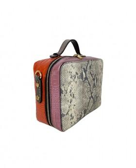 Squared bag with shoulder strap