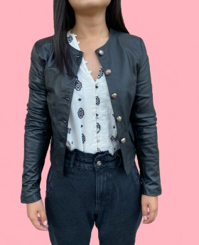 Short leather jacket with buttons