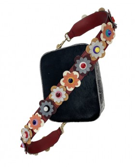 Shoulder strap with floral applications